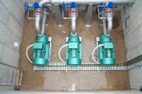 in_primary_pumps_small.JPG - 10.34 kB